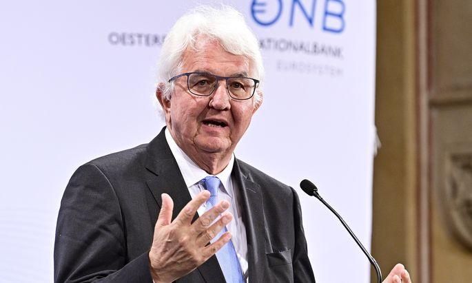 Notenbank-Chef Robert Holzmann (Bild) wurde von Rechtsanwalt Georg Krakow befragt. Die Art und Weise missfiel ihm und seinem Anwalt.