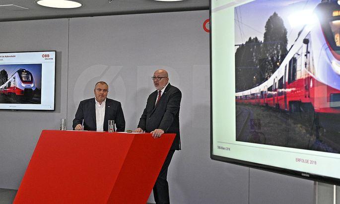 ÖBB-Finanzchef Arnold Schiefer (links) und ÖBB-Chef Andreas Matthä warten auf die Bestellungen des Bundes.