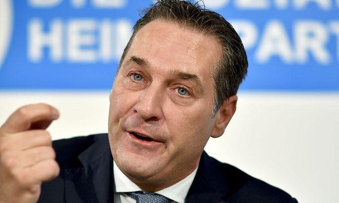 """Strache: """"Regierung produziert selbst 'Fake News'"""""""