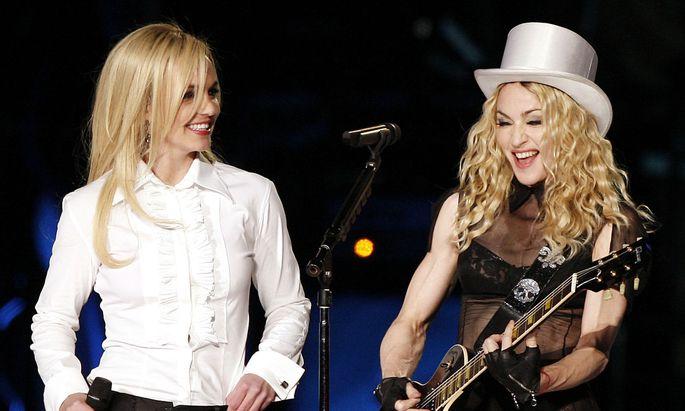 Ein Bild aus besseren Tagen: Britney Spears und Madonna bei einer gemeinsamen Performance, 2008.