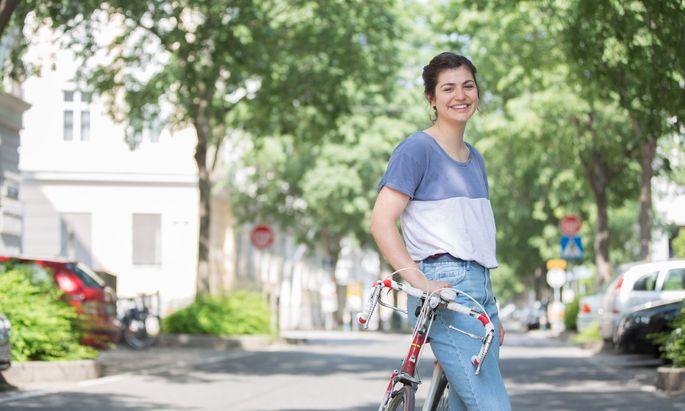 Lebt seit Kurzem in Wien und erkundet mit ihrem Fahrrad die Stadt: Elisabeth Wabitsch.