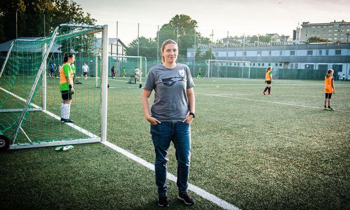 Fußballtrainerin Ines Polly hat keine Probleme, neue Mitspielerinnen zu finden. Doch nicht alle Vereine sind so verwöhnt.
