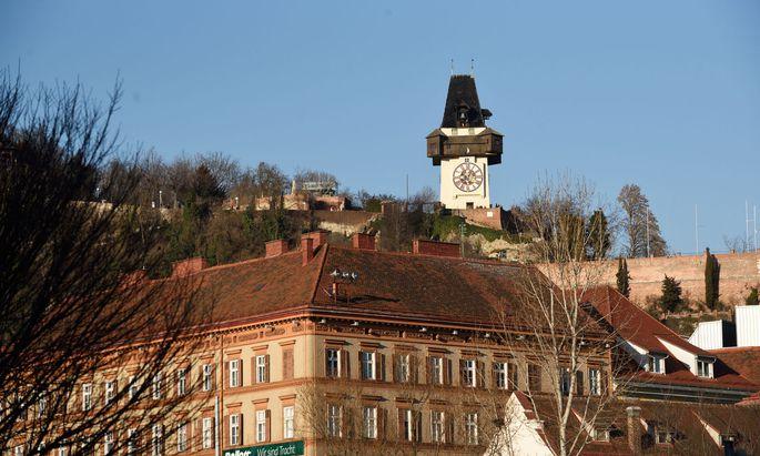Blick auf den Grazer Uhrturm
