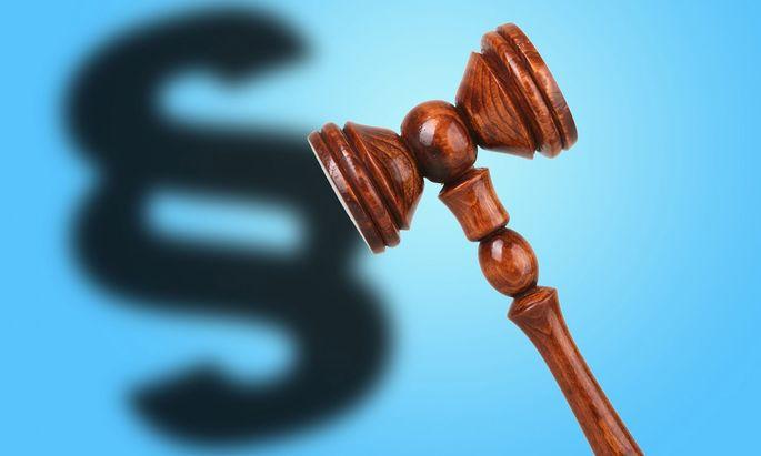 Gerichtshammer - hammer at the court