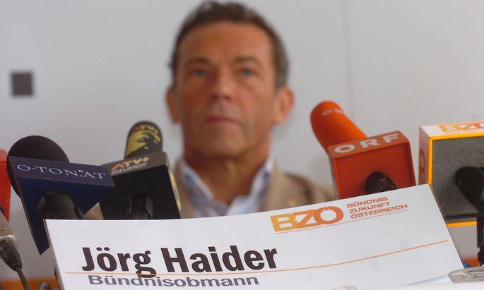Archivbild: In Kärnten blieben nur wenige bei der alten FPÖ, der überwiegende Teil wechselte ins Lager von Haiders BZÖ.
