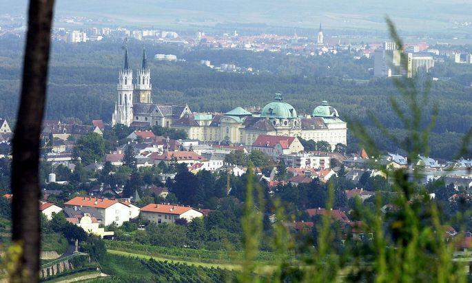 Blick auf (das Stift) Klosterneuburg