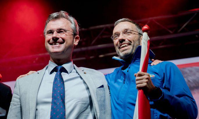 Da zeigte sich die FPÖ-Spitze noch demonstrativ einig: Norbert Hofer (l.) und Herbert Kickl im Wahlkampf, September 2019.