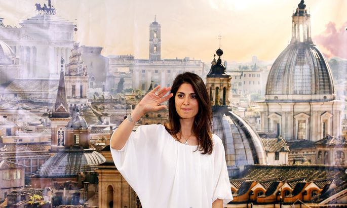 Rome´s newly elected mayor Virginia Raggi, of 5-Star Movement, gestures during a news conference in Rome