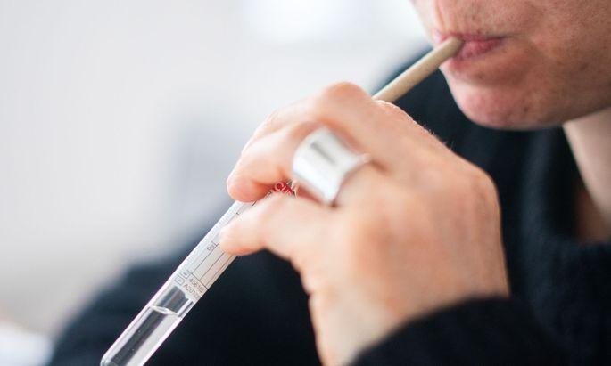 PCR-Selbsttest mittels Gurgelmethode