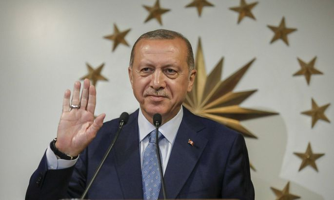 Turkey s President and leader of ruling Justice and Development Party Recep Tayyip Erdogan delivers
