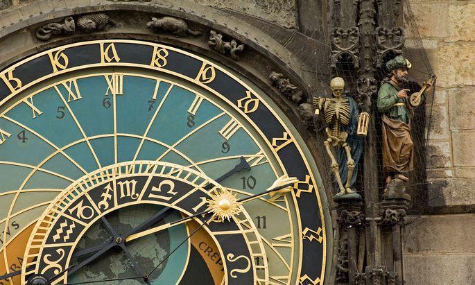 Der Kalender der Astronomischen Uhr am Rathaus in Prag sollte zeigen, wem wann die Stunde schlägt.