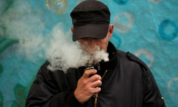 Der US-Gesundheitsbehörde CDC zufolge starben bereits 39 Menschen an dem Konsum von E-ZIgaretten.