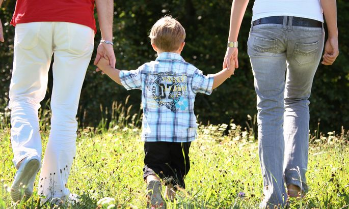 Türkis-Blau hat beschlossen, die Familienbeihilfe, die an in Österreich arbeitende Eltern geht, an die Lebenshaltungskosten im jeweiligen Heimatland anzupassen.