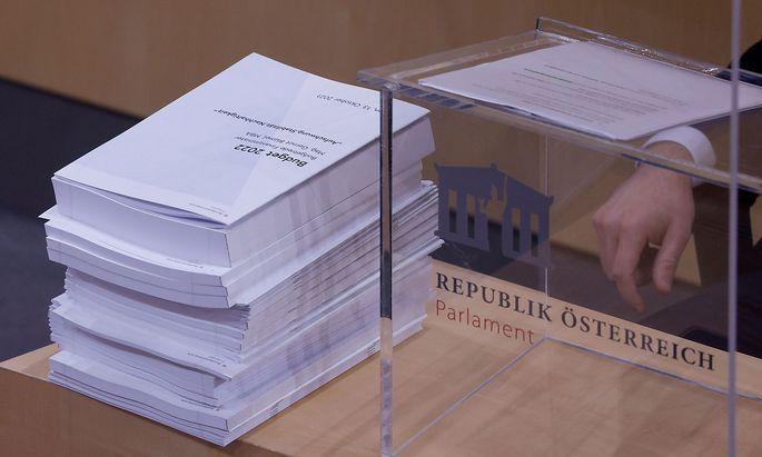 Finanzminister Gernot Blümel (ÖVP) präsentierte am Mittwoch im Nationalrat seinen Budgetvoranschlag für 2022.