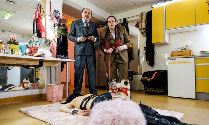 """Rollenvorbild war ein echter Nachtklubbesitzer: Karl Fischer (links) als kauziger Rotlichtkönig in """"Der Fall der Gerti B."""" – am 25. 11. in ORF 1."""