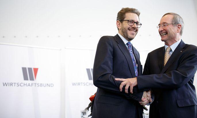 Wirtschaftskammer-Chef Harald Mahrer und sein Vorgänger, Langzeitpräsident Christoph Leitl.