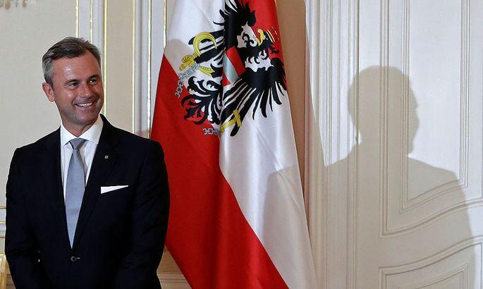 Gibt sich präsidentiell: Norbert Hofer hier zu Gast beim tschechischen Präsidenten Zeman