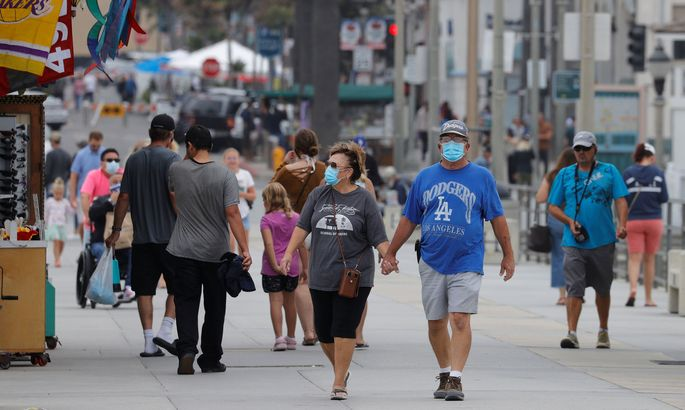 The United States on Thursday passed a total of more than 4 million coronavirus infections