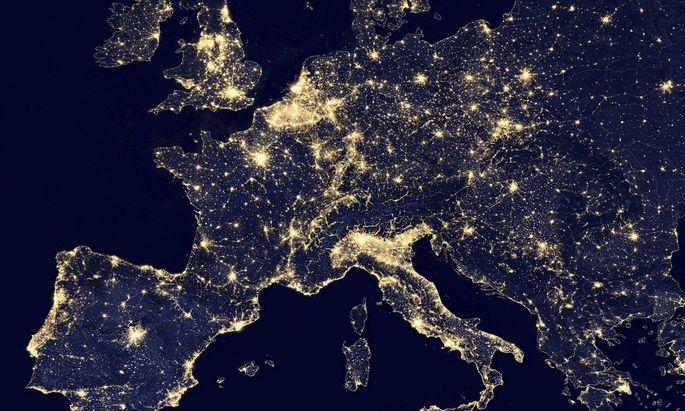Satellitenaufnahmen in der Nacht sind nicht nur wunderschön anzusehen. Man kann auch viele Informationen daraus ablesen.
