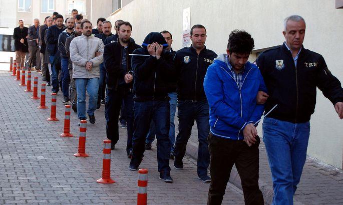 Eine Aufnahme vom Dienstag, als die landesweiten Razzien in der Türkei begannen.