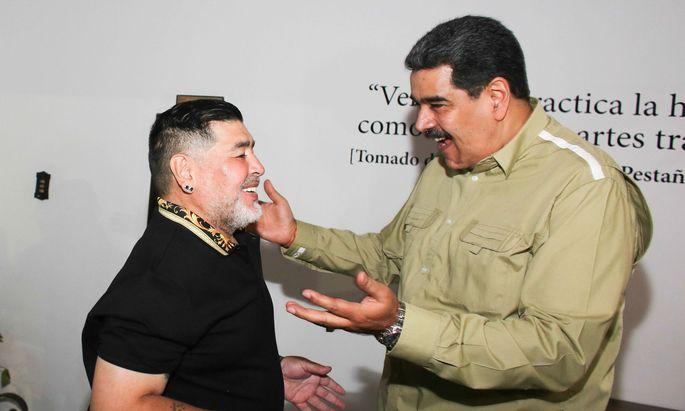 Nicolas Maduro ist erfreut über den Besuch des früheren Fußballstars Diego Maradona