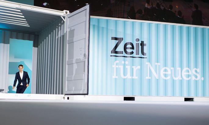 Auf dem Parteitag 2017 übernahm Sebastian Kurz die ÖVP. Heute, Samstag, stellt er sich der Wiederwahl.