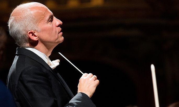 Chefdirigent Johannes Fritzsch verlaesst