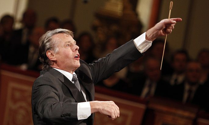 Jansons of Latvia conducts the Vienna Philharmonic Orchestra during a preview of the traditional New Year´s Concert in the Golden Hall of the Vienna Musikverein in Vienna