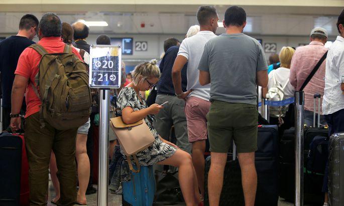 Weltweit sind 600.000 Urlauber von der Thomas-Cook-Pleite betroffen