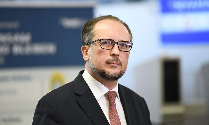 Österreichs Außenminister Alexander Schallenberg spricht sich für gezielte Maßnahmen gegen Einzelpersonen aus.