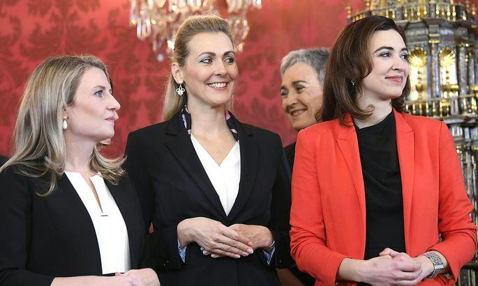 Quereinsteiger, weiblich, Entrepreneure: Das türkis-grüne Regierungspersonal spiegelt den Arbeitsalltag vieler heimischer Betriebe wieder.