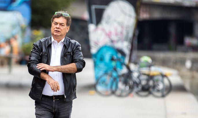 """""""Ich würde Lust verspüren, Kurz zu fragen, was da so ordentlich war an der Mitte-rechts-Politik"""", sagte Grünen-Chef Werner Kogler angriffslustig."""
