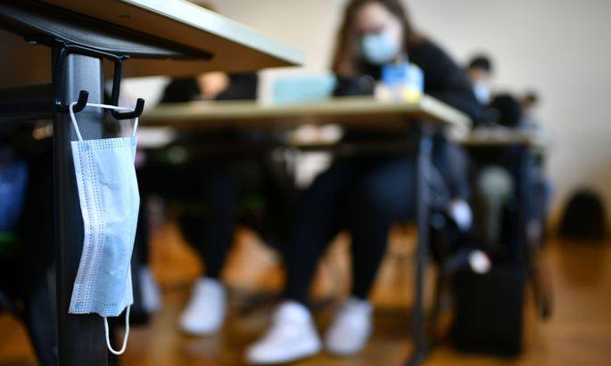 Unter Einhaltung von Hygiene- und Sicherheitsmaßnahmen sollten Schulen öffnen, so der Appell.