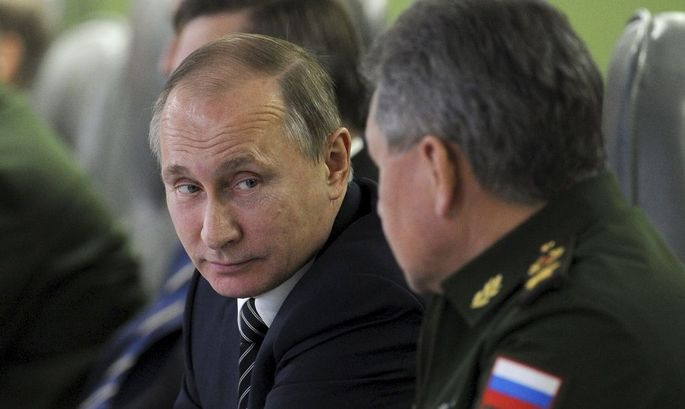 Putin mit Verteidigungsminister Schoigu