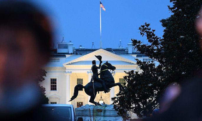 Die Statue von Andrew Jackson war Ziel mehrere Demonstranten in Washington D.C.