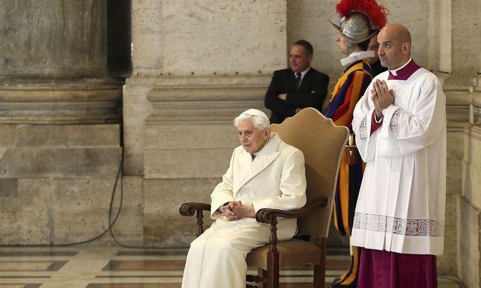 Archivbild vom emeritierten Papst Benedikt XVI. aus dem Jahr 2015.