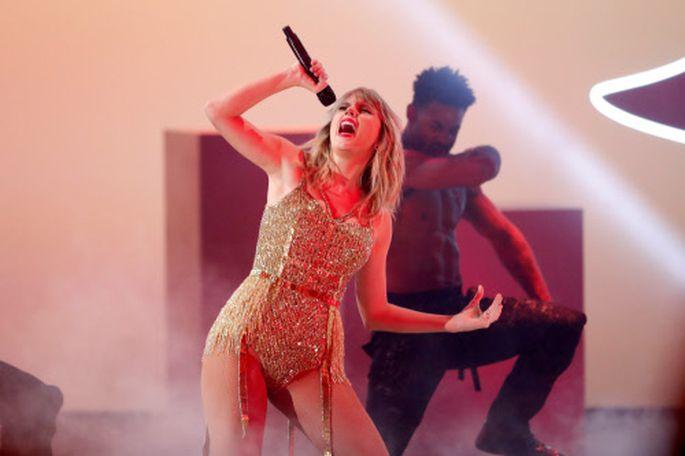 Taylor Swift - unter Vertrag bei einem gefragten französischen Medienkonzern.