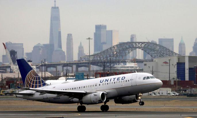 Archivbild einer United-Airlines-Maschine beim Start in New York.