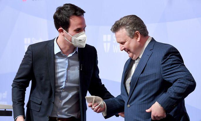 """Neos-Wien-Chef Christoph Wiederkehr ist der """"Neue"""" (Koalitionspartner) an der Seite von Bürgermeister Michael Ludwig. Für die Grünen ein Grund mehr für harte Angriffe in Richtung Pink."""