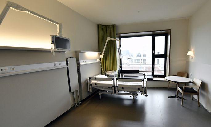 Manche Patientenzimmer im Spital Nord sind bereits fertiggestellt – im Gegensatz zum Spital, dessen Probleme beim Bau nun die Gerichte beschäftigen.