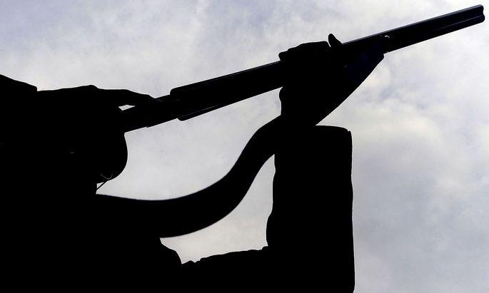 Die Zahl der Waffenbesitzer ist zuletzt gestiegen, der Verband der Sicherheitsunternehmen warnt vor unsicherer Verwahrung von Gewehren und anderen privaten Schusswaffen.