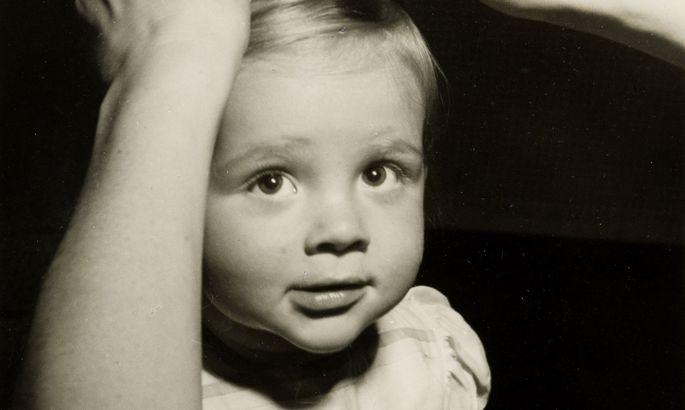 Barbara Dingfield, fotografiert von Trude Fleischmann Ende der 1940er.