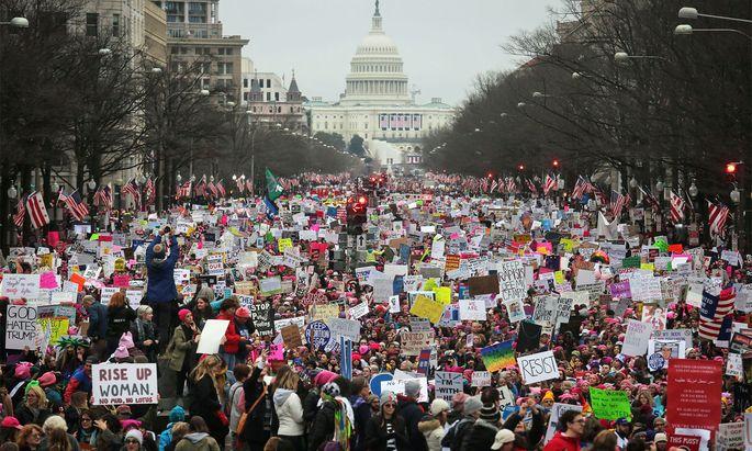 Demonstranten auf der Pennsylvania Avenue in Washington.