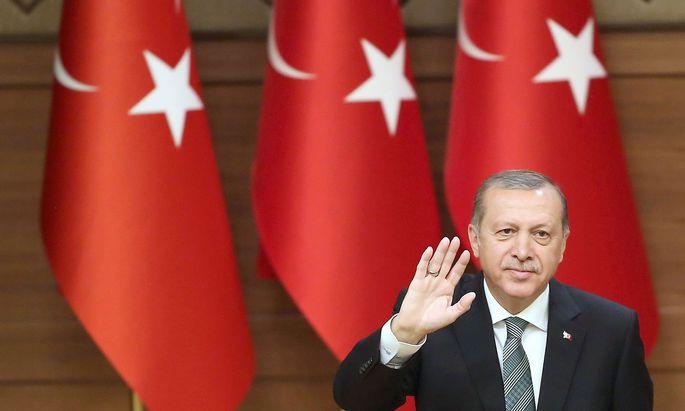 Der türkische Geheimdienst MIT sucht auch im Ausland nach möglichen Gülen-Verbündeten.