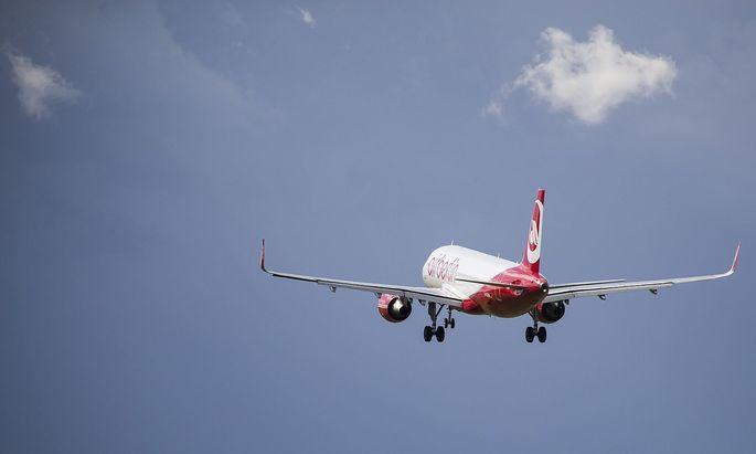 Die Air Berlin hebt künftig nicht mehr zu Langstreckenflügen ab.