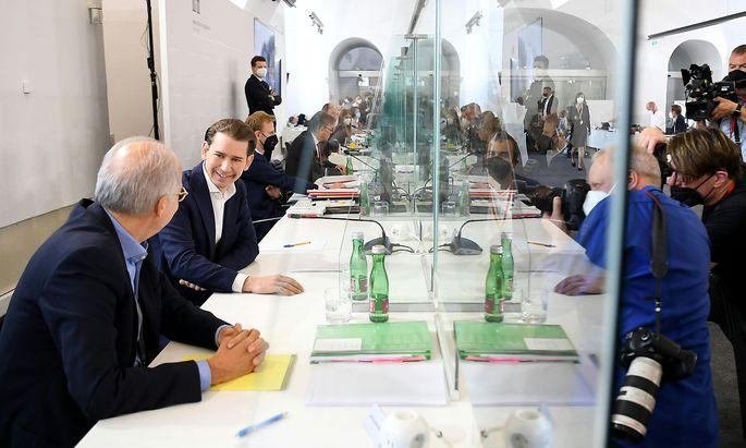 Bundeskanzler Sebastian Kurz (ÖVP) steht den Abgeordneten zum zweiten Mal Rede und Antwort.