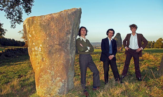 Und manchmal steht da ein ganz seltsamer Stein in der Landschaft: Fat White Family, gegründet 2011 in London, spielen auch in ihrer Musik gern mit Störfaktoren.