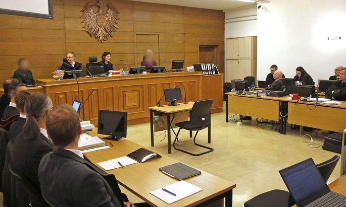 Blick in den Gerichtssaal vor Verhandlungsbeginn im Strafprozess in der Causa 'Seenkauf' am Landesgericht Klagenfurt