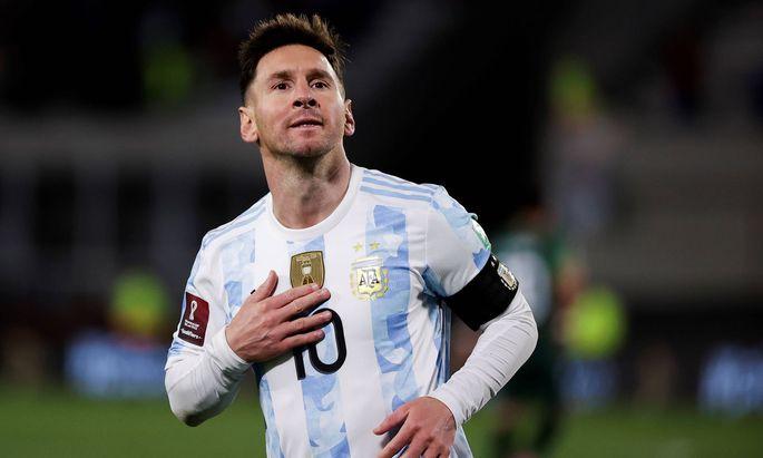 Sport Themen der Woche KW36 Fuszball, WM Quali, Argentinien - Bolivien Argentina s Lionel Messi celebrates after scoring