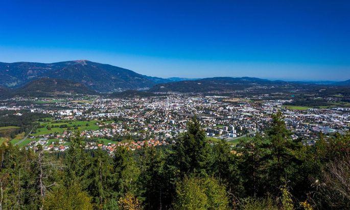 Blick von der Villacher Alpe nach Villach